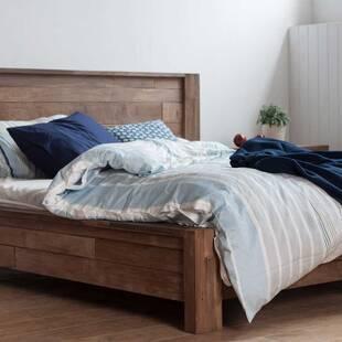 Кровать из массива дерева ценных пород Baker Queen