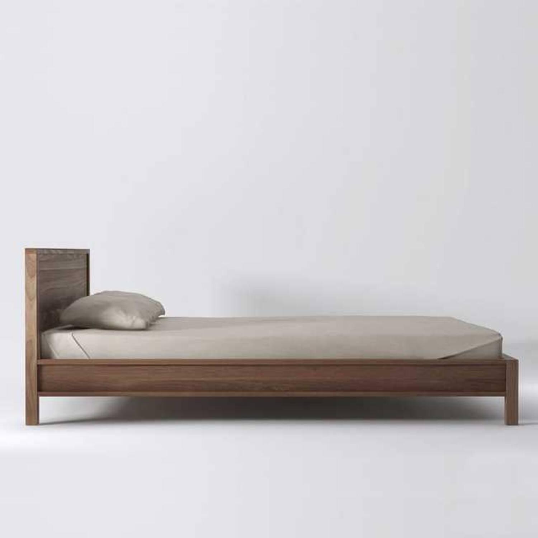 Кровать из дерева ценных пород Solid King