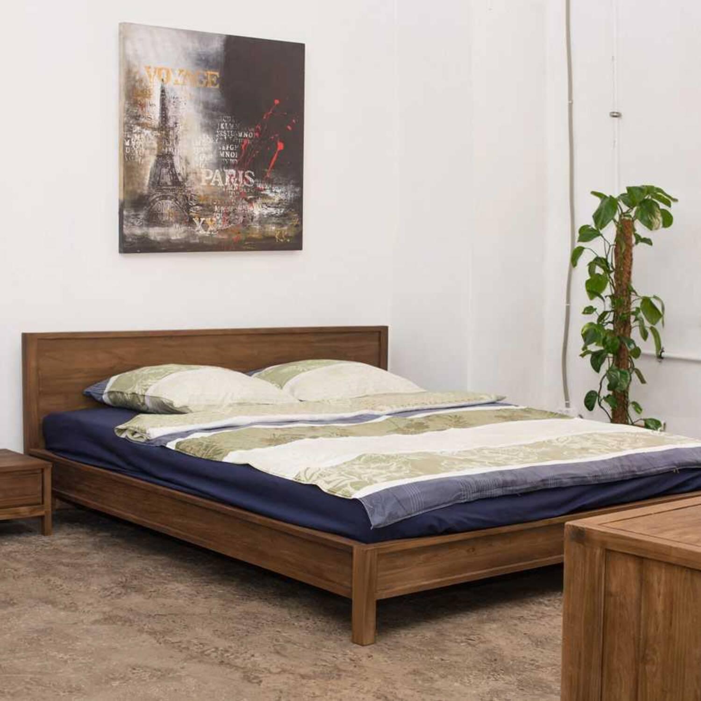 Кровать из дерева ценных пород Solid Queen