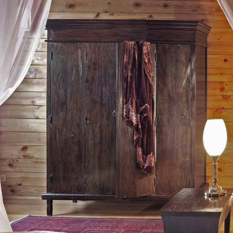 Шкаф платяной из массива дерева ценных пород Madura 160