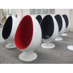 Белое кресло яйцо