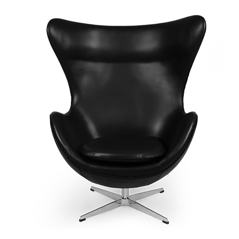 Черное кожаное кресло Egg