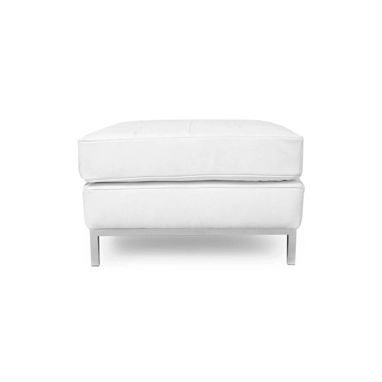 Дизайнерский белый кожаный пуф Florence, в стиле Классический модерн с элементами стиля Лофт.