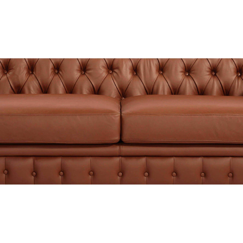 Светло-коричневый диван Chesterfield, в английском классическом стиле