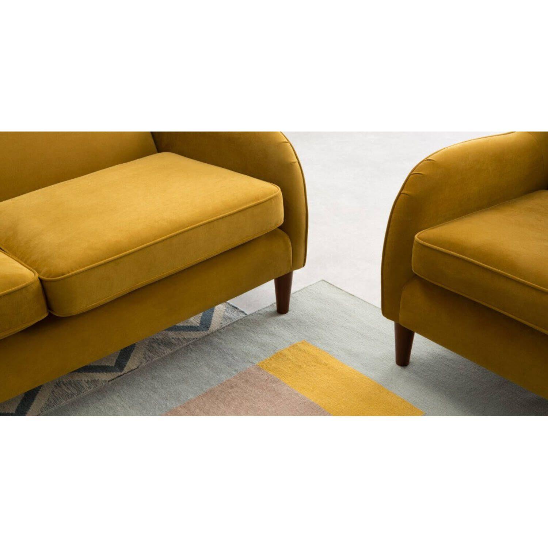 Диван Helena, на деревянных ножках, желтый трехместый