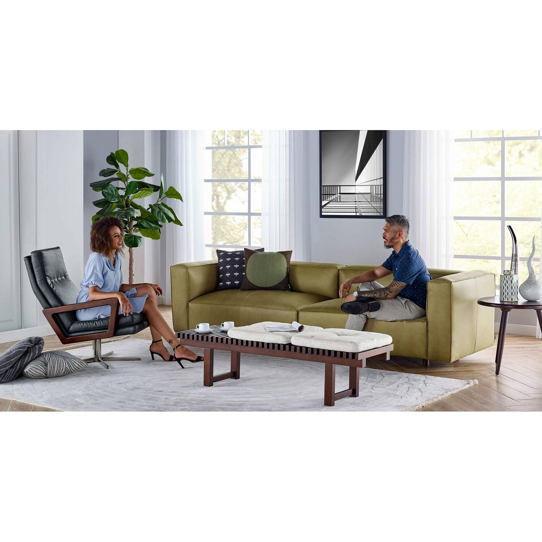 Прямой коричневый диван Soho