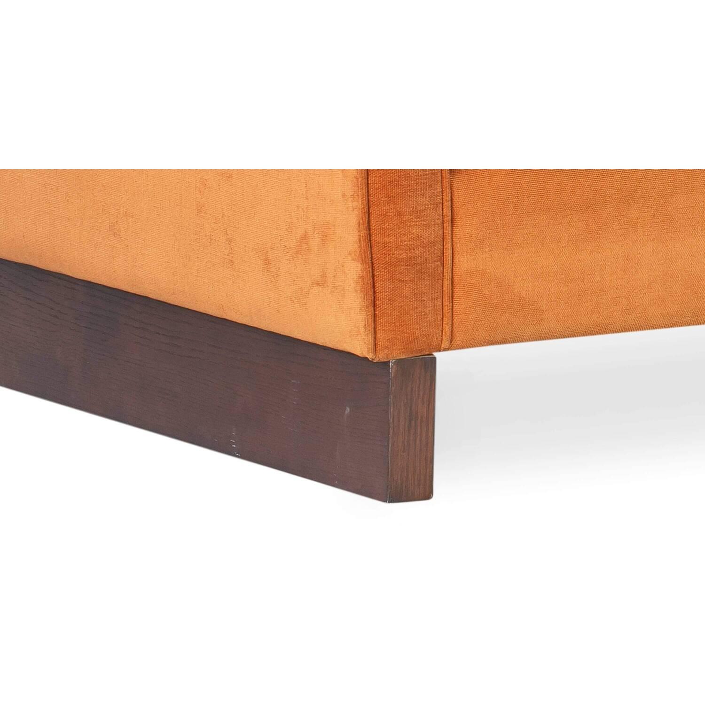 Оранжевый диван Wexler