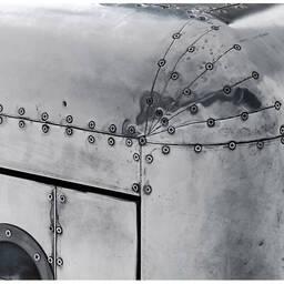 Дизайнерская тумбочка Aviator Blackhawk Chest Small