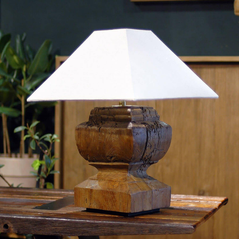 Светильник настольный Ompa
