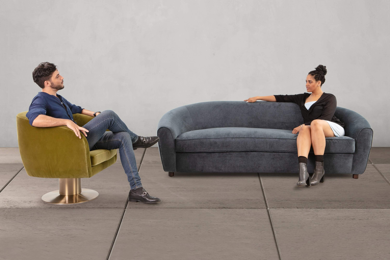 прямой диван Murphy в современном стиле